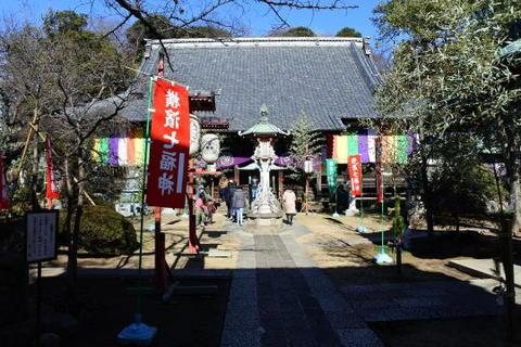 金蔵寺 本堂前