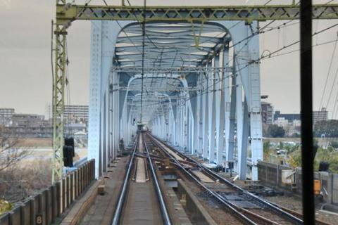 多摩川を通過