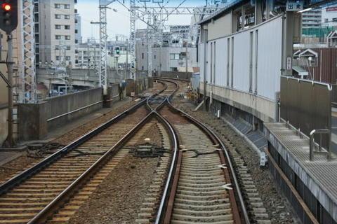 鮫洲駅ホームの先端部分