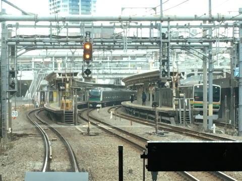 大崎駅に到着するところ