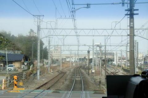 高崎線の駅は待避線ホームが設けられていることが多い